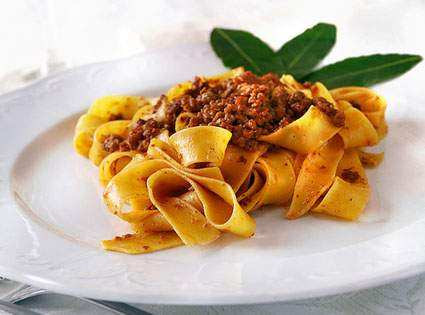 Where to eat in milano typical milanese italian food for Pasta eat milano