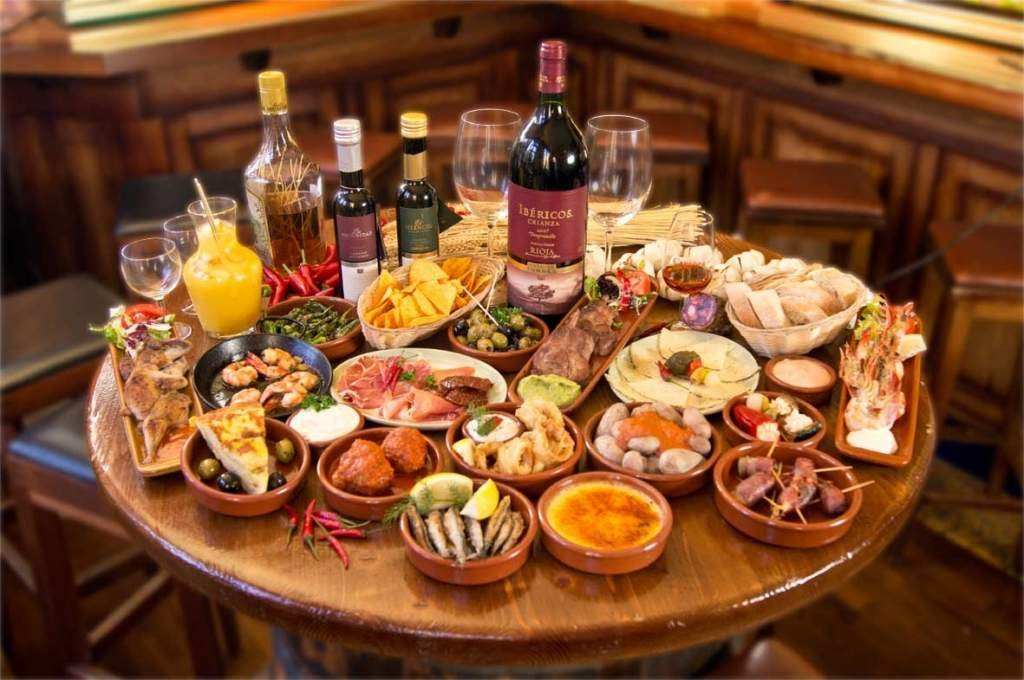 Top 17 local tapas for a Spanish aperitif in Milan
