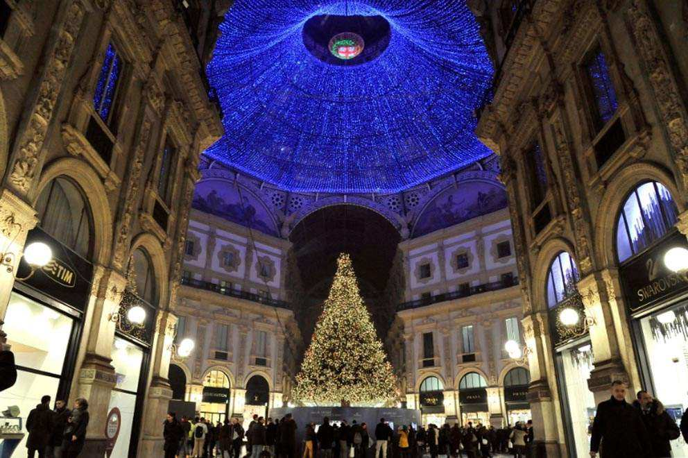 Sant'Ambrogio holidays in Milan in 2016